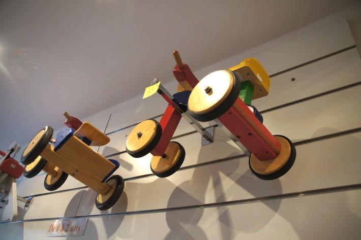 http://la-broc-des-minots.fr/ jeux en bois a marseille